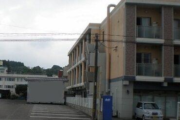 大きすぎる建物が近くにあるとき、悪い風水となる場合があります
