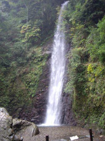 恋愛運アップのパワースポットをお探しならこんな滝がおすすめです