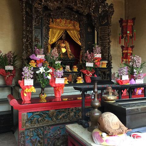 中華のお墓は、やっぱり良い風水でした。